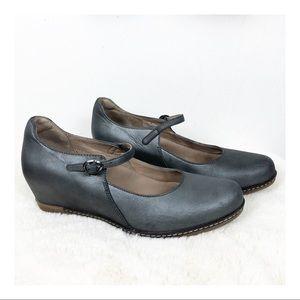 Dansko Loralie Mary Jane Wedge Shoes 8